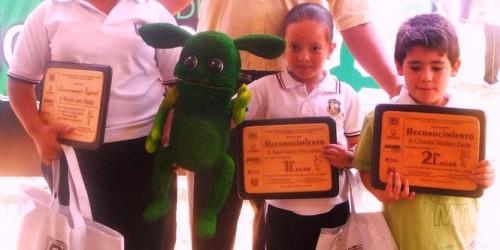 Evento de Reconocimientos Niños ganadores con Chicholito